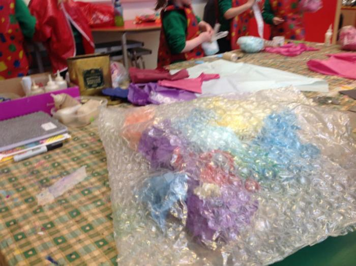 Starting the giant jelly fish using bubble wrap.